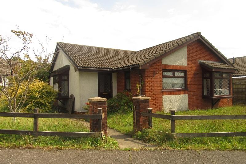 3 Bedrooms Detached House for sale in Langer Way, Clydach, Swansea.
