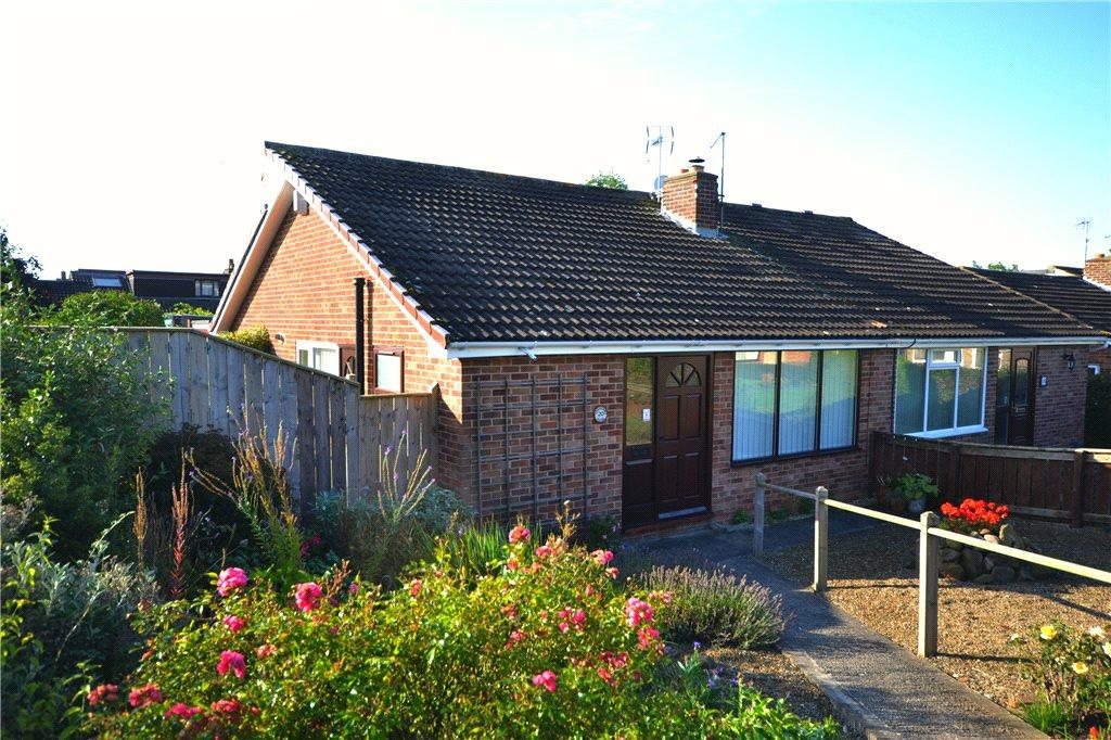 3 Bedrooms Semi Detached Bungalow for sale in Wainstones Close, Great Ayton, North Yorkshire