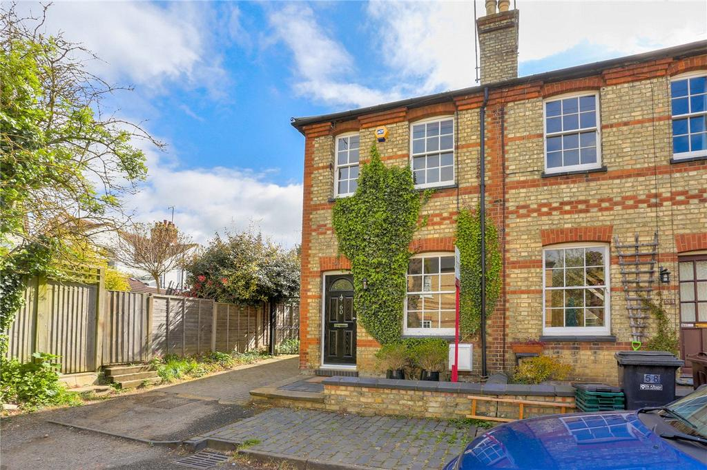 2 Bedrooms End Of Terrace House for sale in Oster Street, St. Albans, Hertfordshire