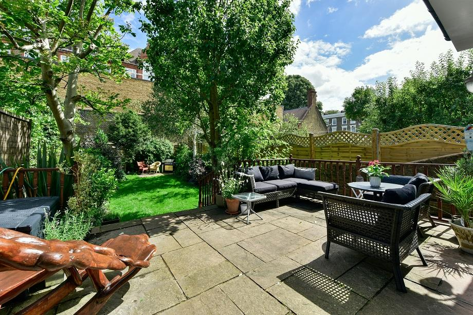 4 Bedrooms Semi Detached House for sale in Halliford Street, London N1