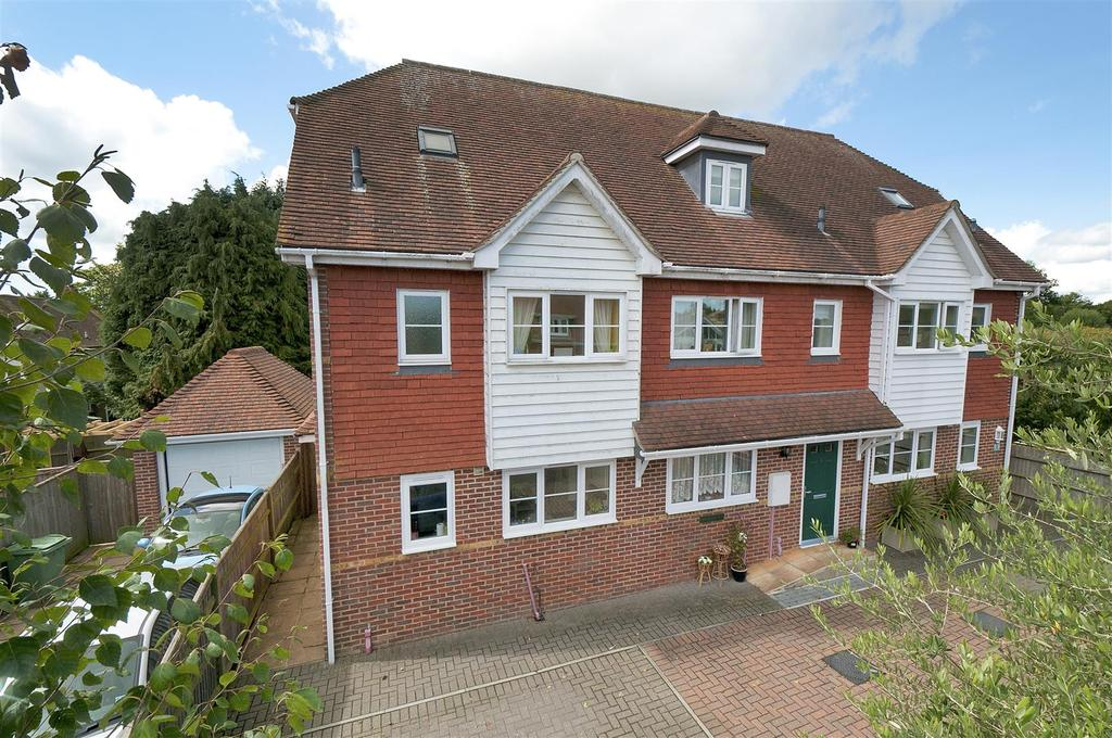 3 Bedrooms End Of Terrace House for sale in Maidstone Road, Matfield