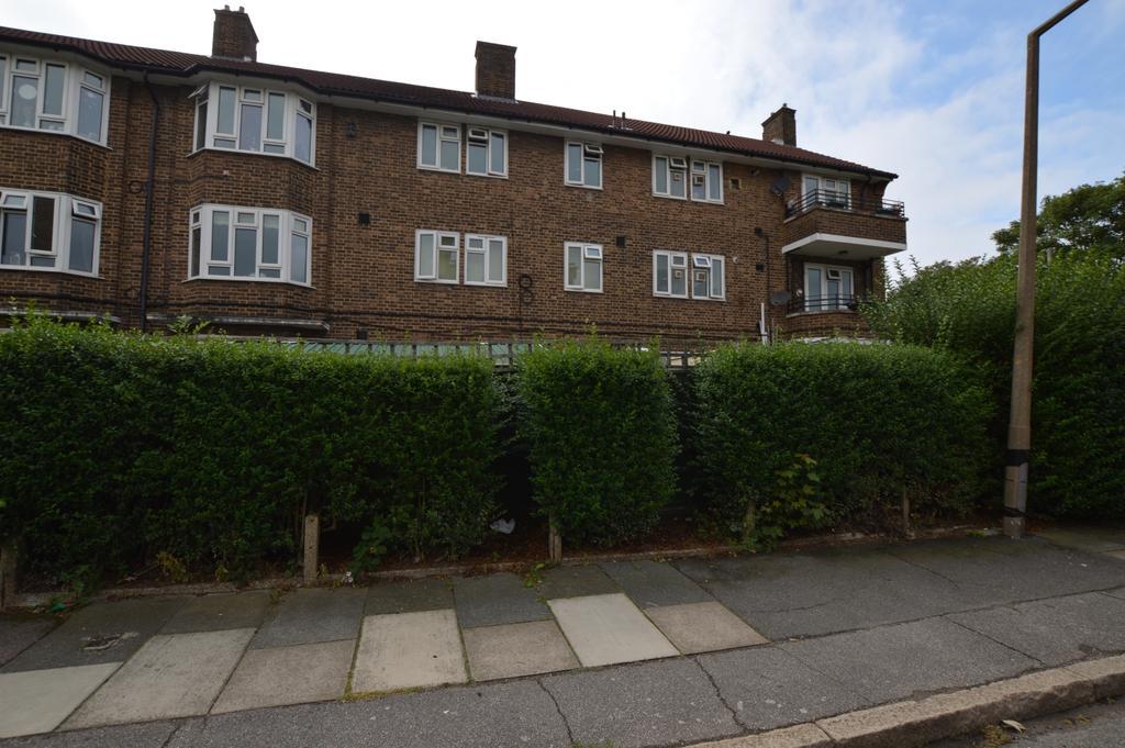 1 Bedroom Flat for sale in Alderwood Road London SE9