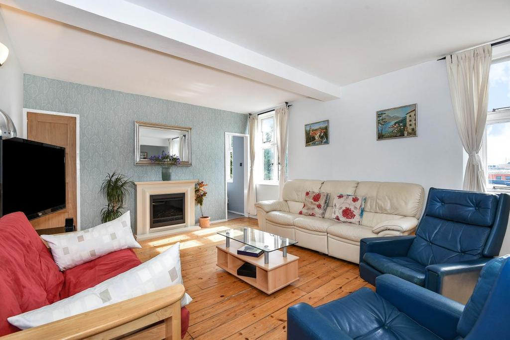 3 Bedrooms Flat for sale in Cormont Road, Camberwell