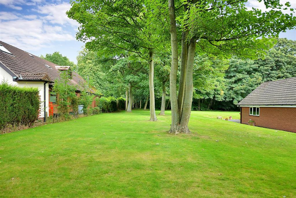 Plot Commercial for sale in Building Plot Adjacent to Parkside, May Lodge Drive, Rufford