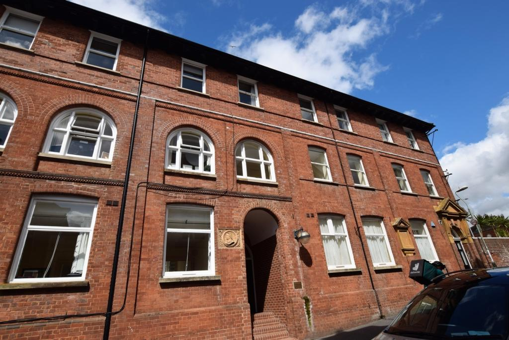 2 Bedrooms Flat for sale in Northernhay Street, Exeter, EX4