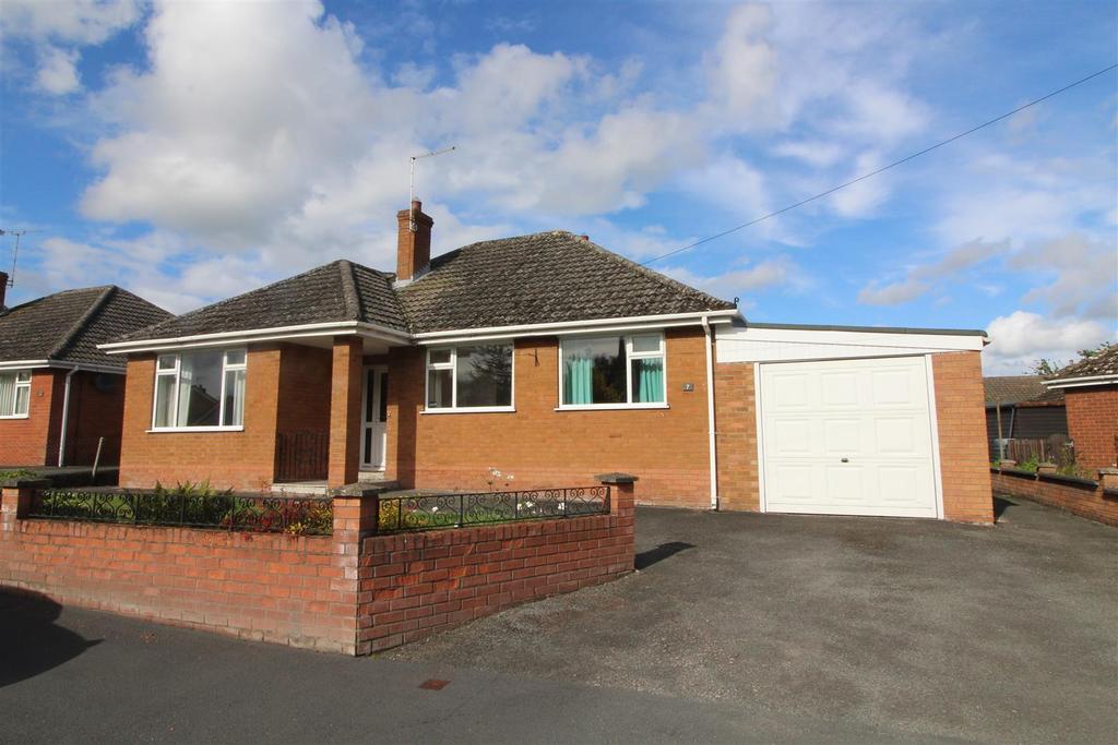 3 Bedrooms Detached Bungalow for sale in Wellgate, Wem, Shrewsbury