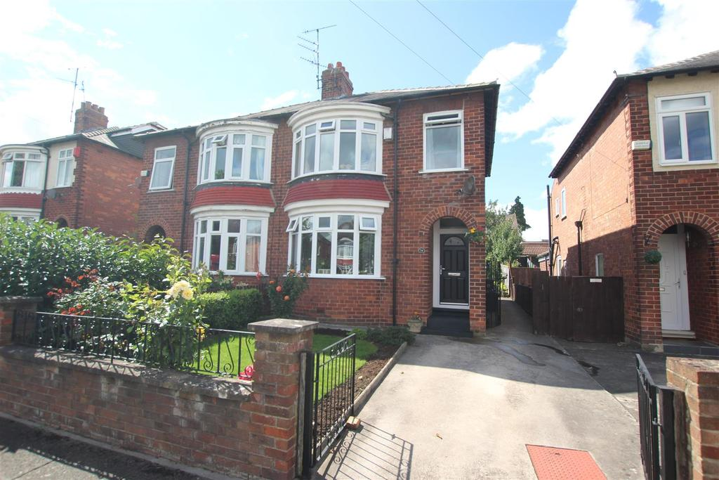 3 Bedrooms Semi Detached House for sale in Lunedale Road, Darlington