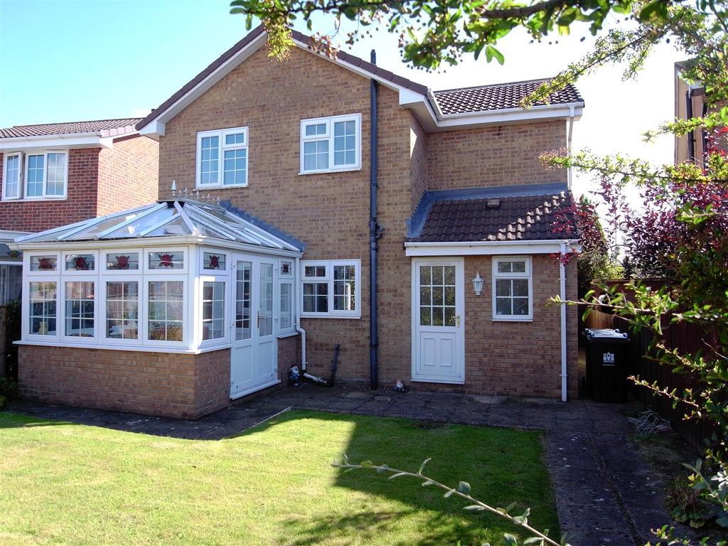 3 Bedrooms Detached House for sale in Peterhouse Close, Darlington