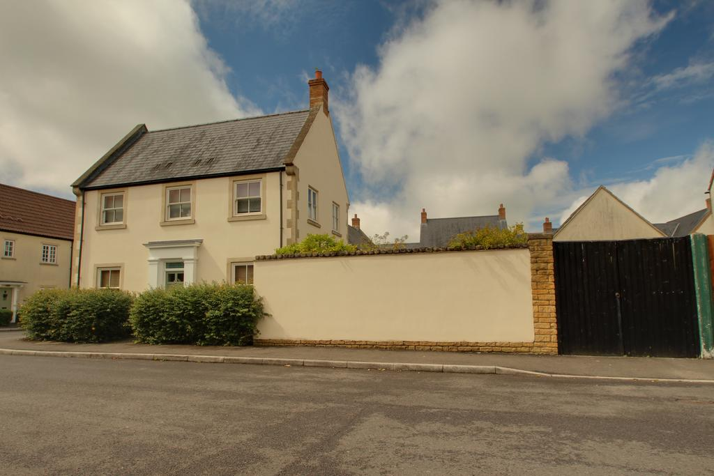 3 Bedrooms House for sale in Walnut Grove, SHEPTON MALLET BA4