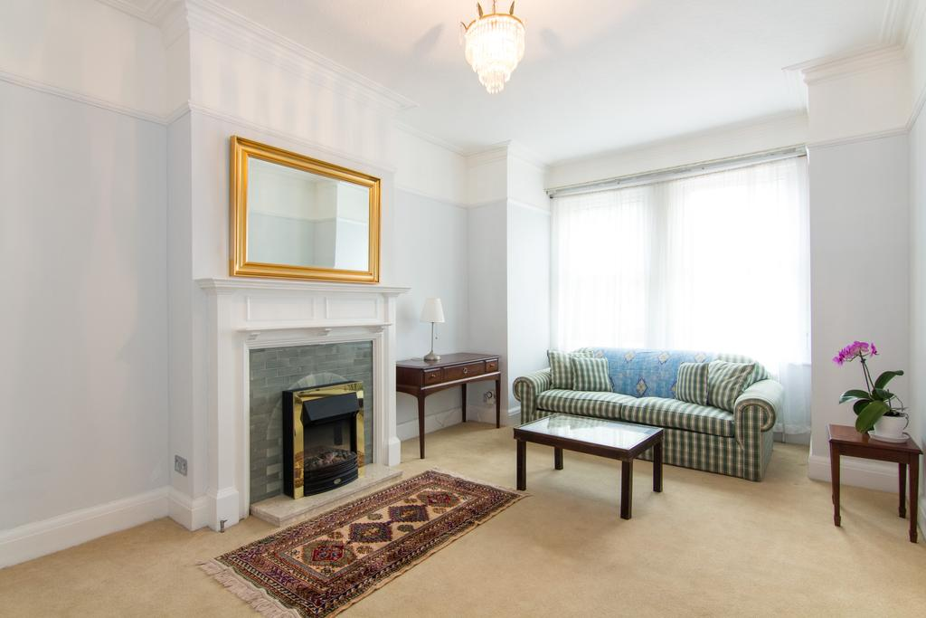 4 Bedrooms House for sale in Windmill Road, Ealing