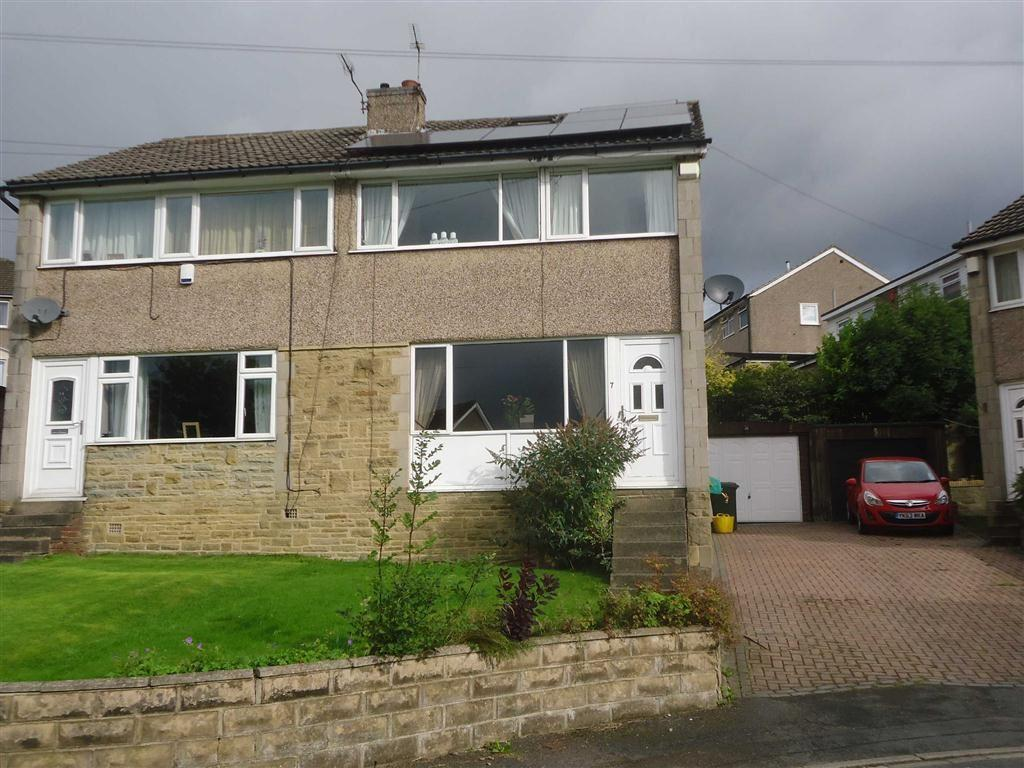 3 Bedrooms Semi Detached House for sale in Brearcliffe Grove, Bradford, West Yorkshire, BD6