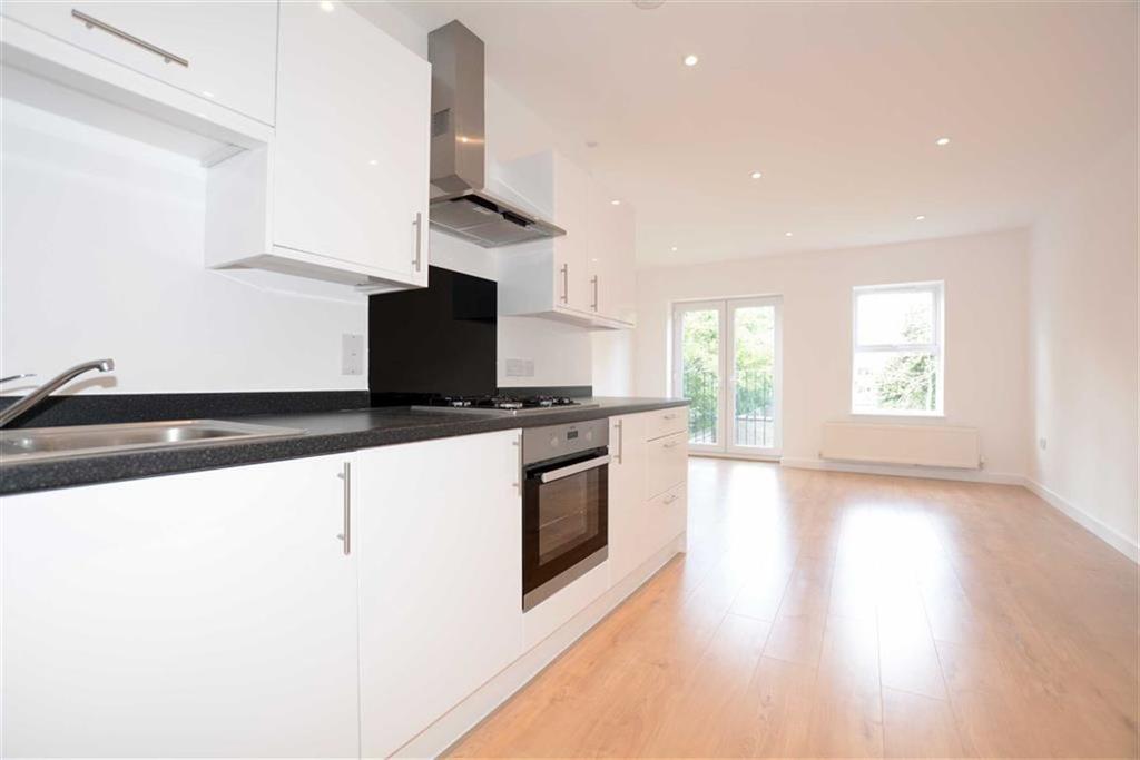 2 Bedrooms Flat for sale in Widmore Road, Bromley, Kent