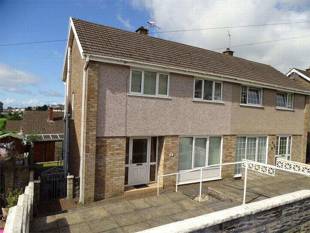 3 Bedrooms Semi Detached House for sale in 48 Brynheulog, Llanelli, Carmarthenshire