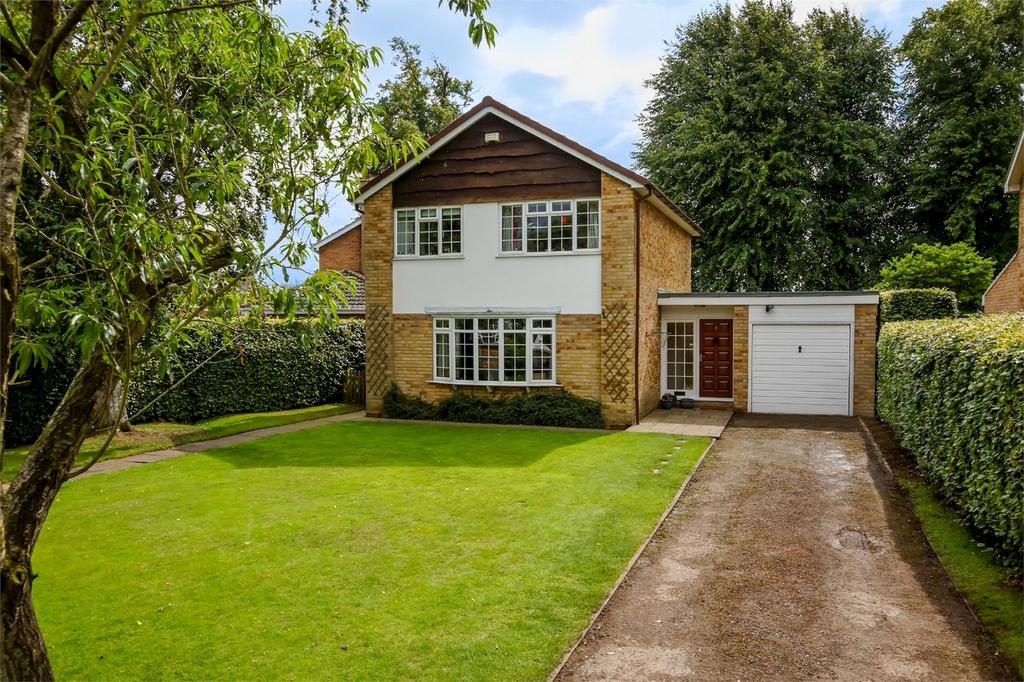 3 Bedrooms Detached House for sale in Manor Garth, Riccall, York