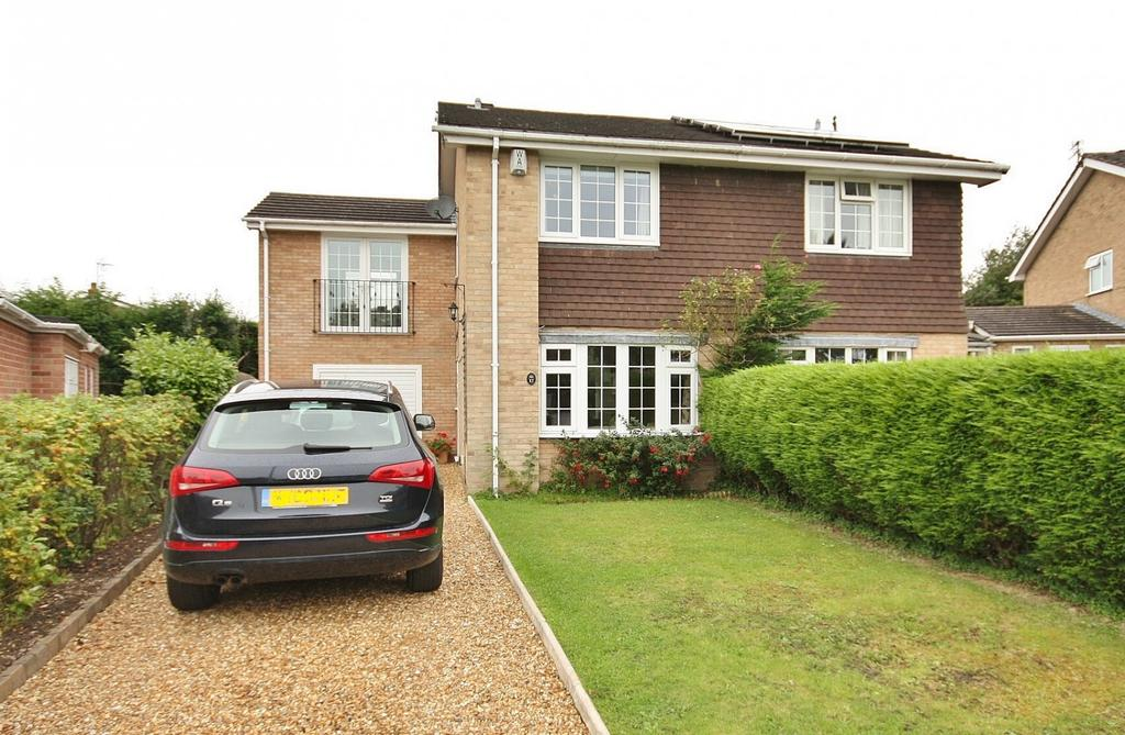 3 Bedrooms Semi Detached House for sale in Bramley Close, Wilmslow