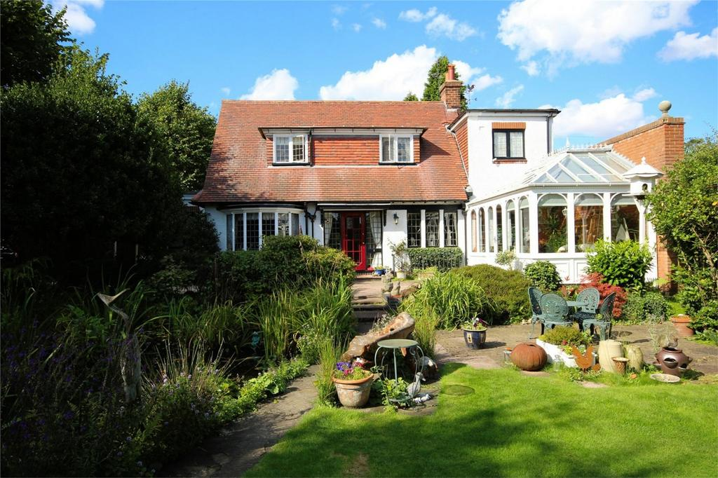 4 Bedrooms Detached House for sale in Queens Way, Cottingham, East Riding of Yorkshire