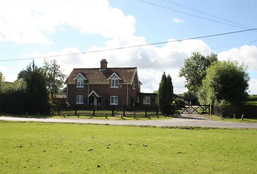 4 Bedrooms Detached House for sale in BROOK, Hampshire