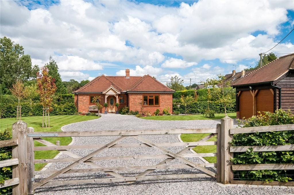 3 Bedrooms Detached House for sale in Carters Clay, Lockerley, Romsey, Hampshire, SO51
