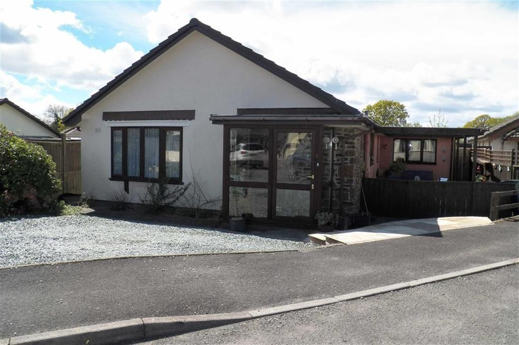 3 Bedrooms Detached Bungalow for sale in Peniel, Carmarthen