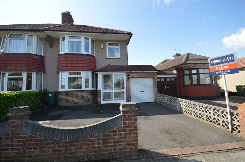 3 Bedrooms Semi Detached House for sale in Nurstead Road, Erith