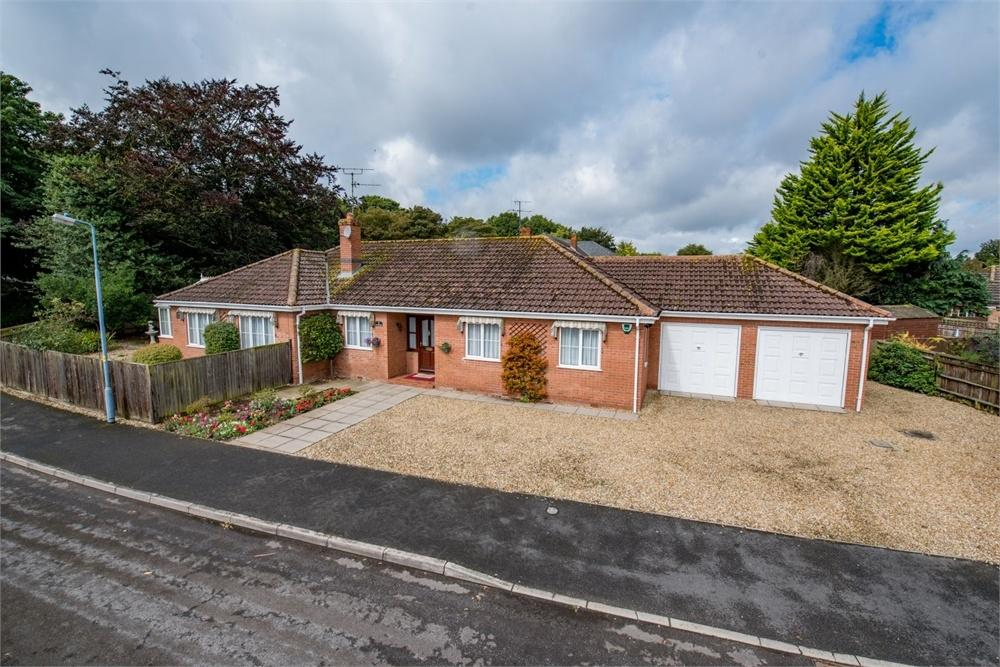 4 Bedrooms Detached Bungalow for sale in Towell Close, Boston, Lincolnshire