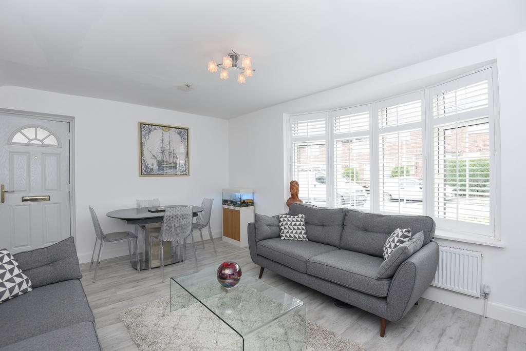 4 Bedrooms End Of Terrace House for sale in Chilham Road London SE9
