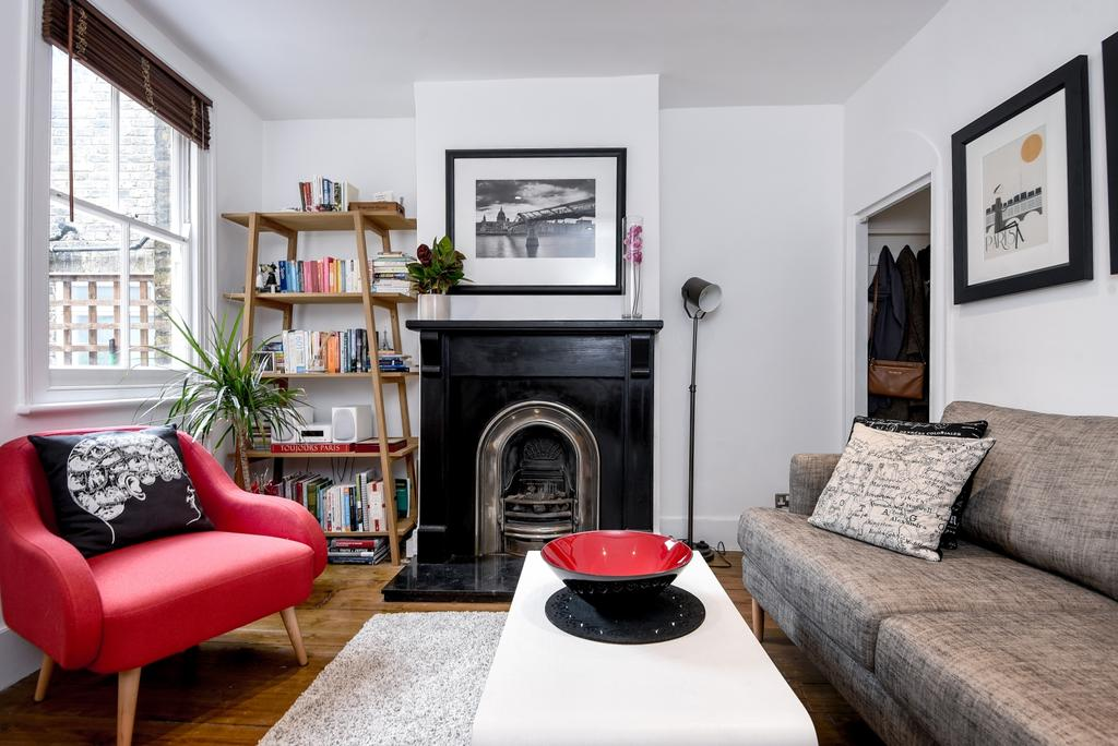 2 Bedrooms Terraced House for sale in Plumbridge Street London SE10