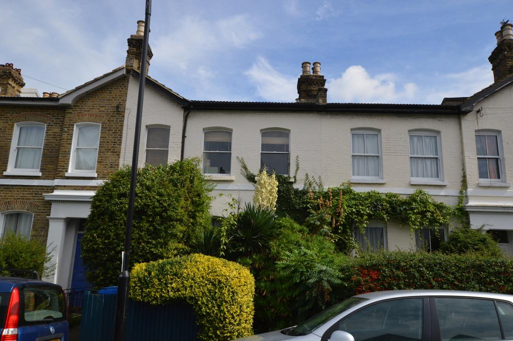3 Bedrooms Terraced House for sale in Montpelier Road Peckham SE15