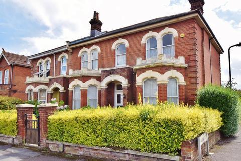 3 bedroom flat to rent - Portswood