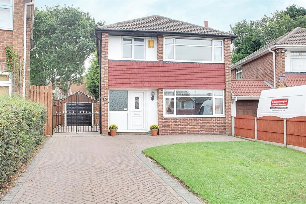 3 Bedrooms Detached House for sale in Bracadale Road, Rise Park, Nottingham.