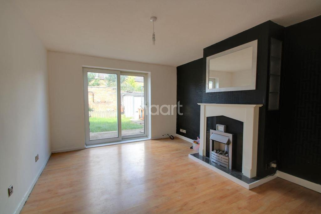 3 Bedrooms Terraced House for sale in 32 Armada Close, Basildon