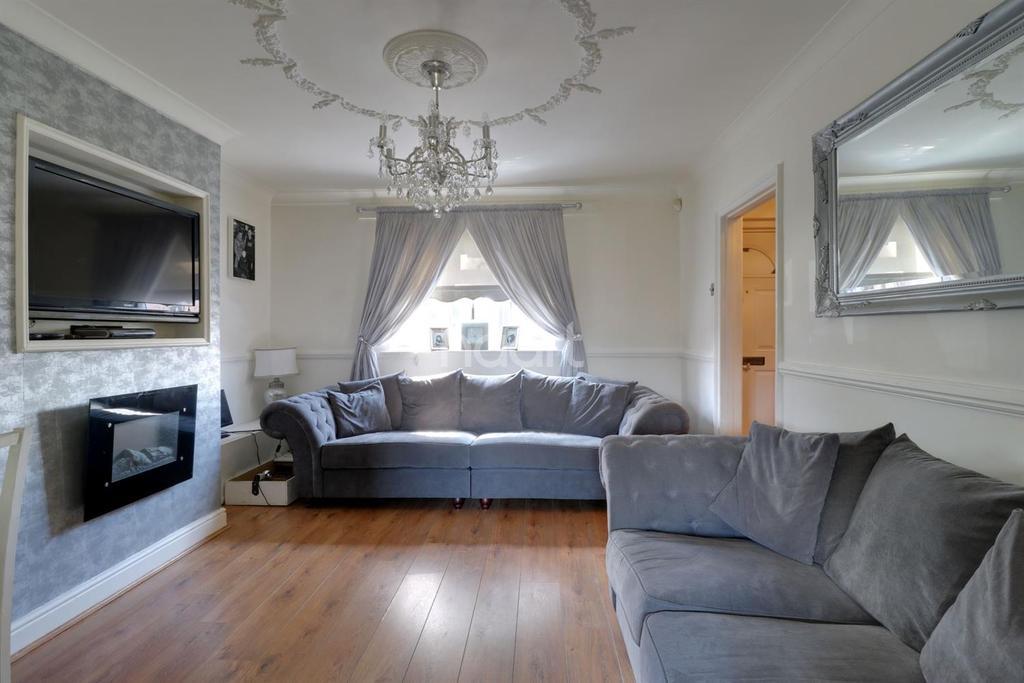3 Bedrooms End Of Terrace House for sale in Hardie Road