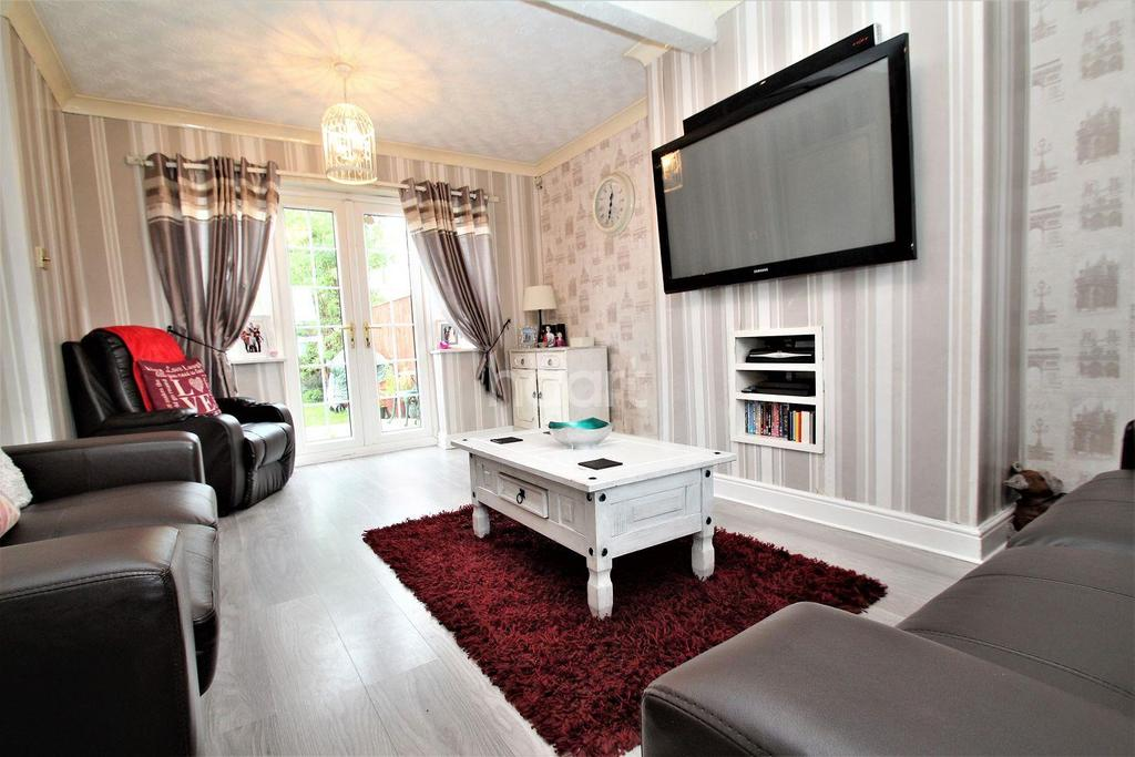 3 Bedrooms Terraced House for sale in Allenby Crescent, Rossington, Doncaster