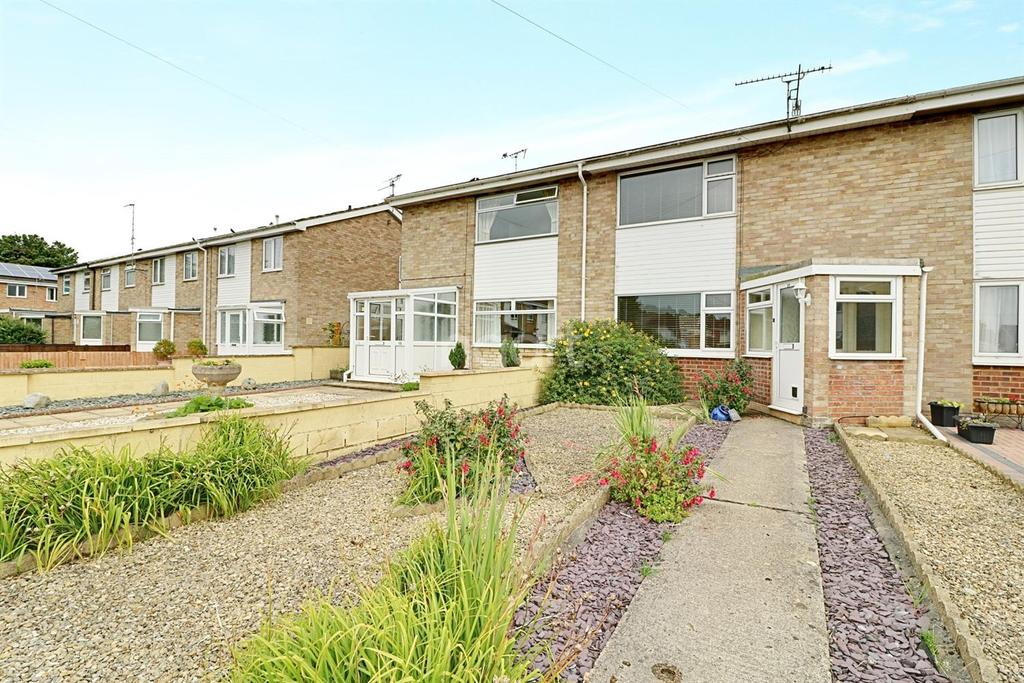 2 Bedrooms Terraced House for sale in Lonsdale Close, Swindon, Wiltshire