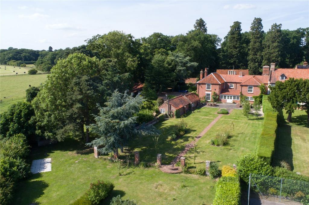 6 Bedrooms House for sale in Melton Park, Melton Constable, Norfolk, NR24