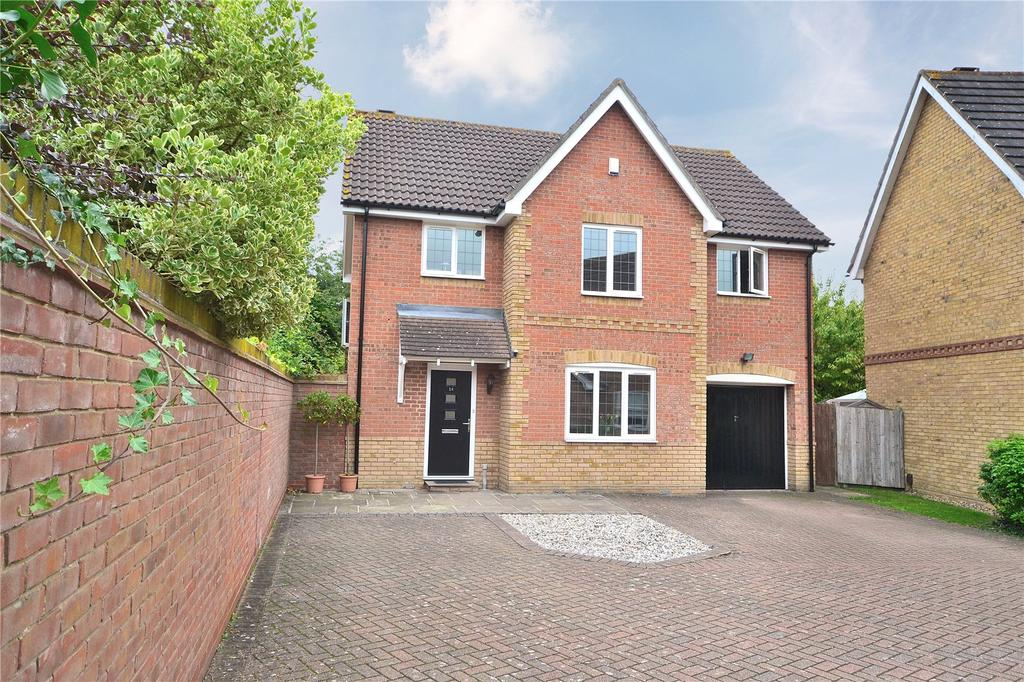 4 Bedrooms Detached House for sale in Ridgewell Avenue, Chelmsford