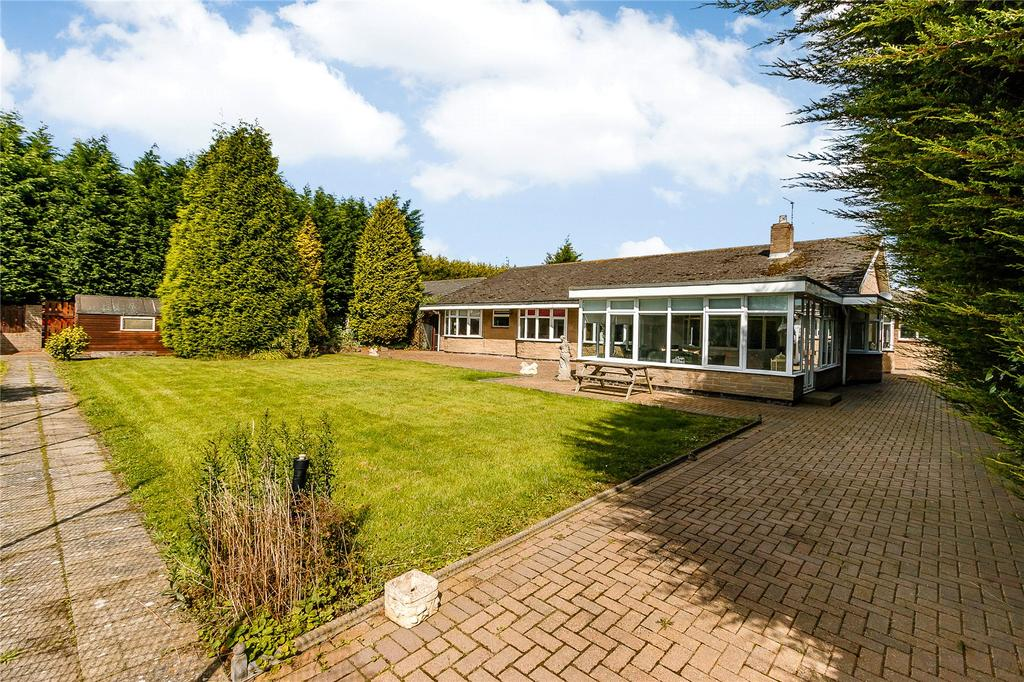 6 Bedrooms Bungalow for sale in Ulgham, Morpeth, Northumberland