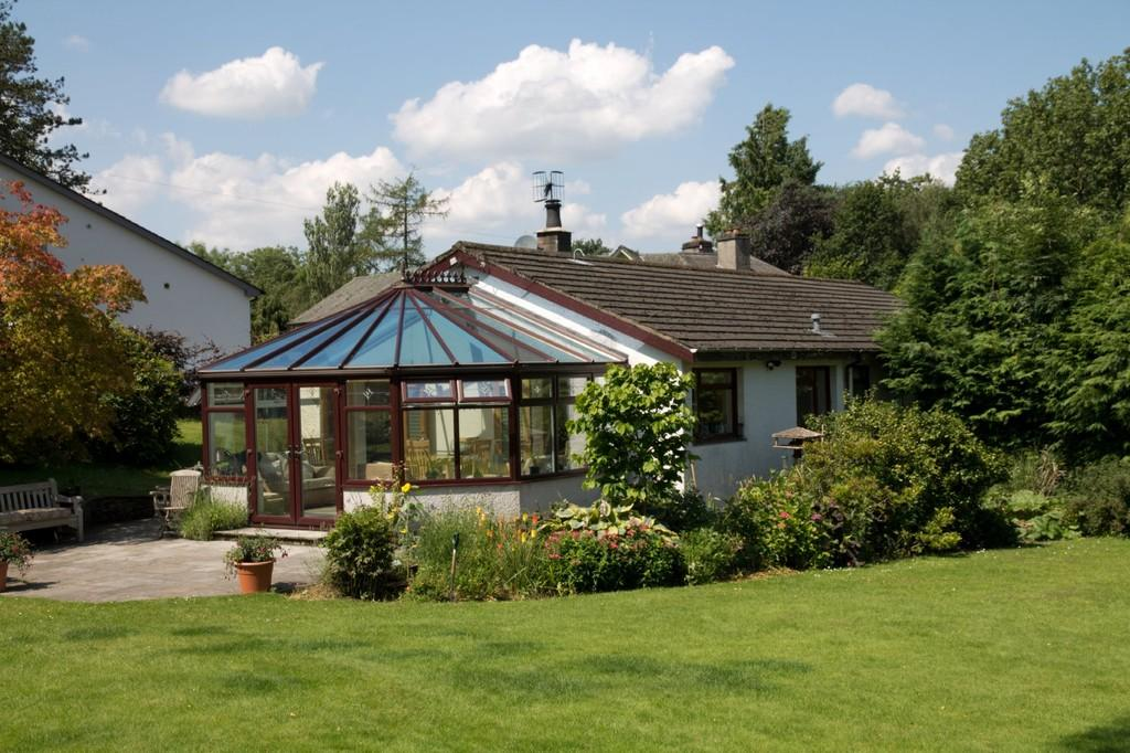 4 Bedrooms Detached Bungalow for sale in Height Green, Off Victoria Road, Windermere, Cumbria, LA23 2DP