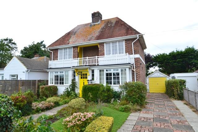 2 Bedrooms Detached House for sale in Beehive Lane, Ferring, West Sussex, BN12 5NR