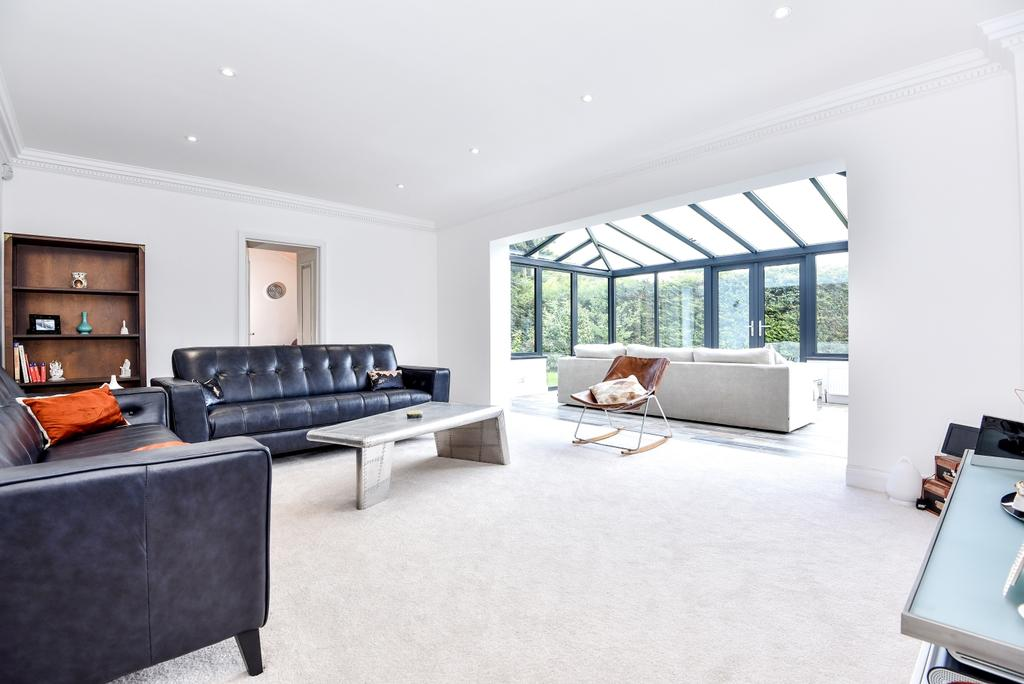 5 Bedrooms Detached House for sale in Old Perry Street Chislehurst BR7