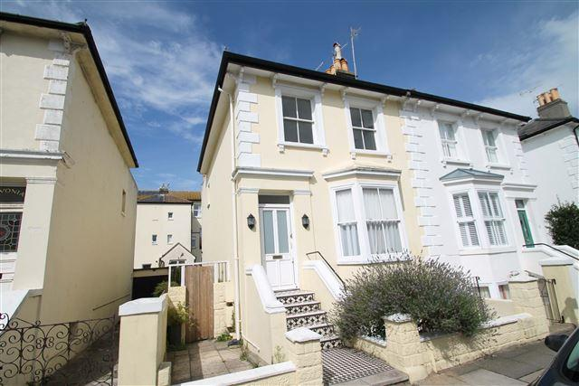 2 Bedrooms Maisonette Flat for sale in Hova Villas, Hove