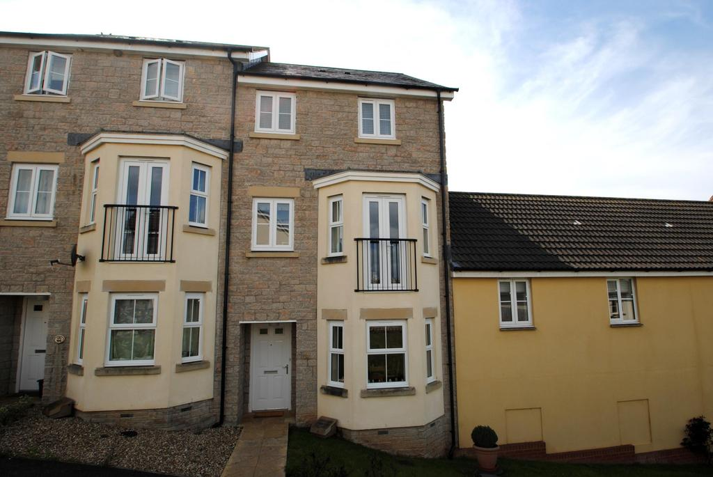 4 Bedrooms Terraced House for sale in Donn Gardens, Bideford