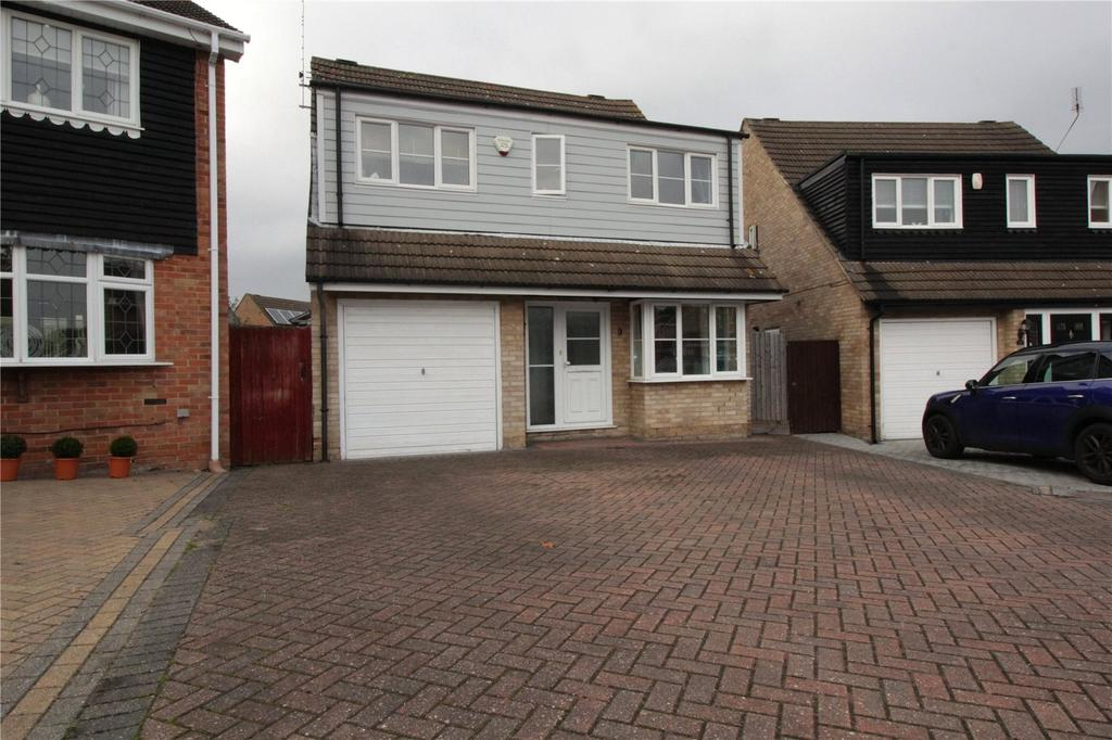 4 Bedrooms Detached House for sale in Rutland Close, Laindon, Essex, SS15