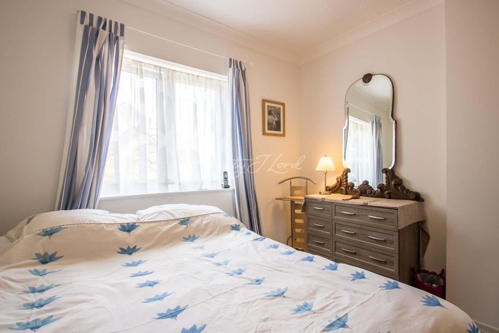 3 Bedrooms Semi Detached House for sale in Cunard Walk, SE16