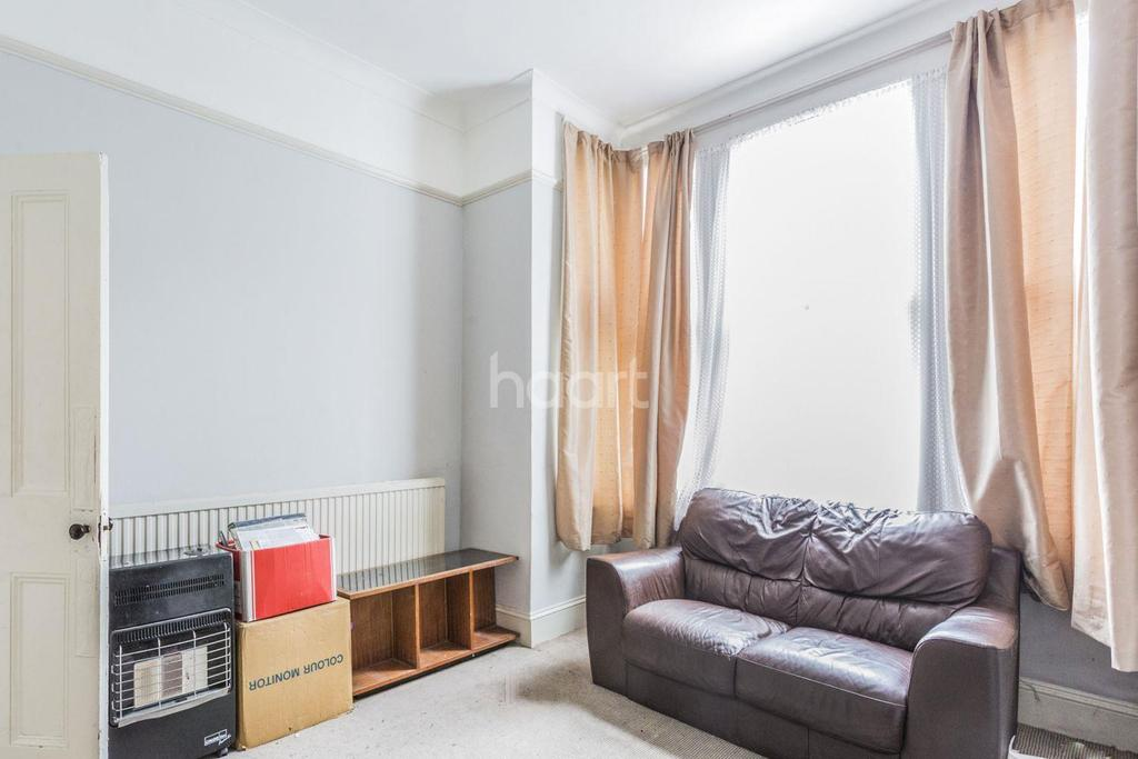 3 Bedrooms Terraced House for sale in Kay Road, Stockwell, SW9