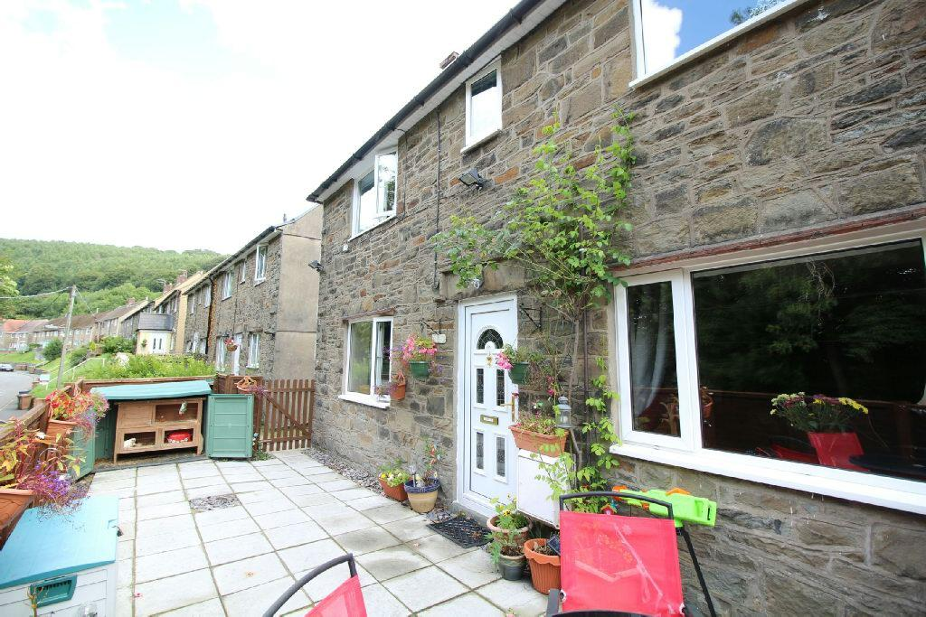 3 Bedrooms End Of Terrace House for sale in Penrhiw Terrace, Abercarn