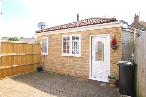2 bedroom bungalow to rent - A, Church Road, Hanham, Bristol