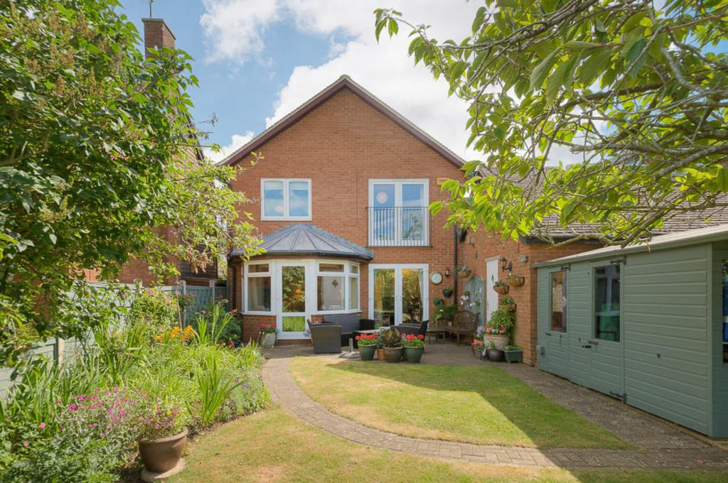 4 Bedrooms Detached House for sale in West Furlong, Padbury