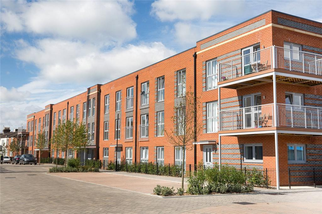 2 Bedrooms Flat for sale in Meridian Waterside, Southampton, SO14