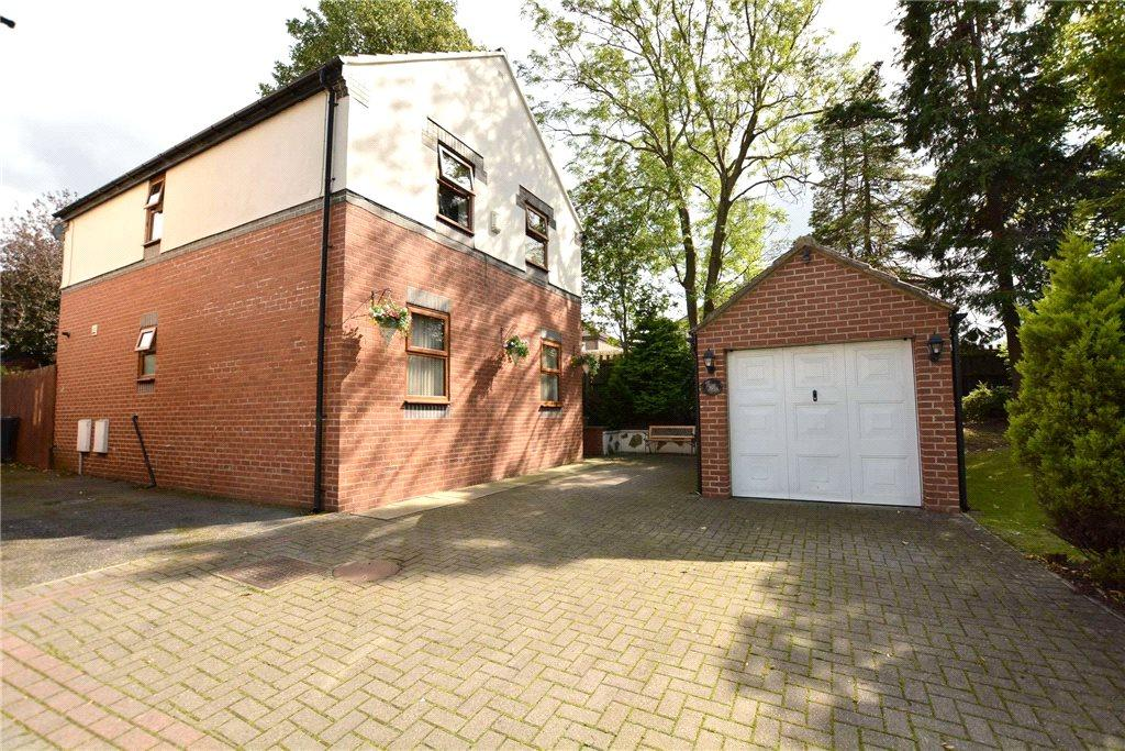 4 Bedrooms Detached House for sale in Hill Court Fold, Leeds, West Yorkshire